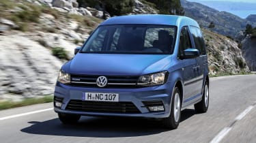 Volkswagen Caddy Life - front tracking