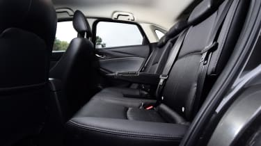 Mazda cx-3 rear seats legroom