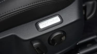 Volkswagen Passat GTE - seat detail
