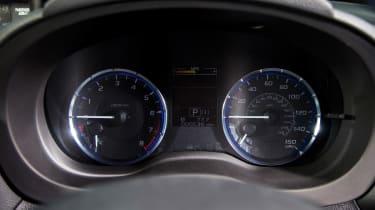 Subaru Levorg - dials