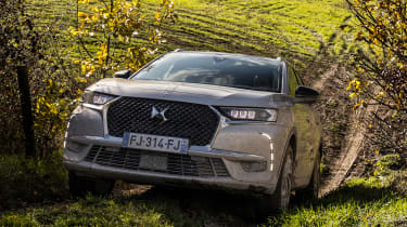 DS 7 Crossback E-Tense - front off-road