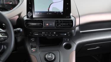 Peugeot Rifter centre console