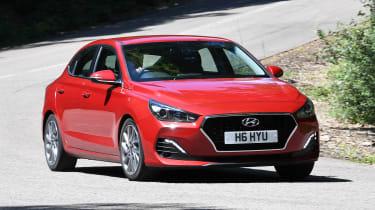 Hyundai i30 Fastback - front