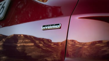 Ford Kuga - Hybrid badge