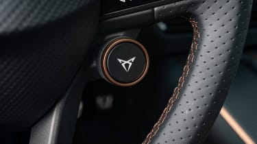 Cupra Born - Cupra button