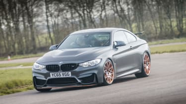 BMW M4 GTS UK 2016 - front cornering