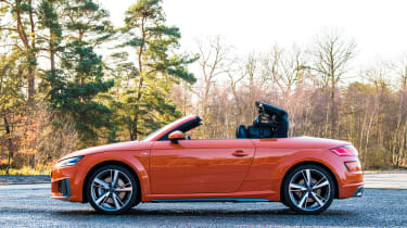 Audi TT Roadster - roof opening
