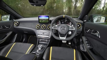 Mercedes-AMG GLA 45 Yellow Night Edition - interior