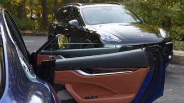 Maserati Levante vs Porsche Cayenne - door