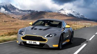Aston Martin V12 Vantage S 2016 - front tracking