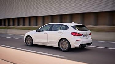 BMW 1 Series 2019 tracking