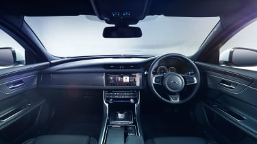 Jaguar XF S - cabin