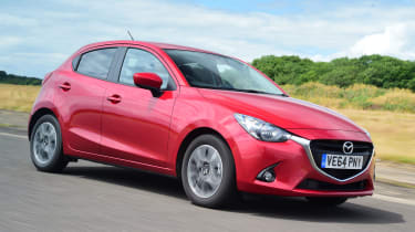 Mazda 2 - front tracking
