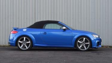 Audi TT RS Roadster - roof closed