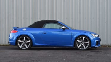 Audi TT RS Roadster - roof closed