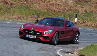 Mercedes-AMG GT S 2015 - cornering