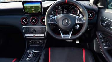 Mercedes-AMG A 45 - dash