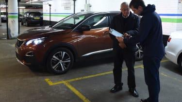3008 minutes in a Peugeot 3008 - Otis handover