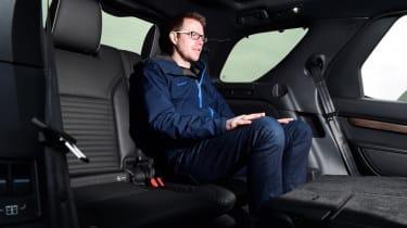 Land Rover Discovery - Sean Carson