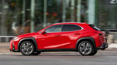 Lexus UX - profile