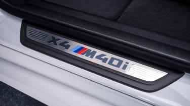 BMW X4 M40i - door sill