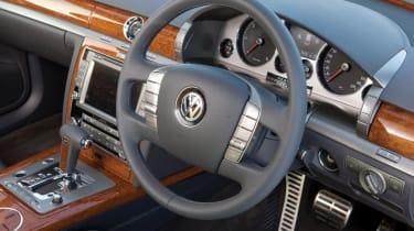 VW Phaeton V6 TDI interior