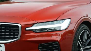 Volvo S60 - headlight