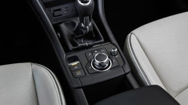 Mazda CX-3 - centre console