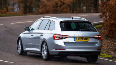 Skoda Superb iV - rear cornering