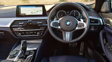 BMW 530e - dash