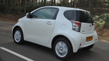 Toyota iQ rear tracking