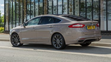 Ford Mondeo Vignale - rear