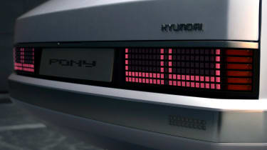 Hyundai Pony - brake light