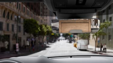 new 2019 range rover evoque clearsight rearview mirror