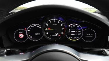 Porsche Cayenne - dials