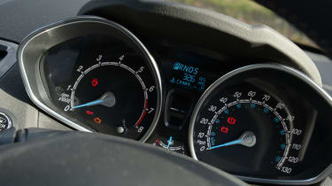 Ford-Fiesta-dial-details