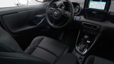 Toyota Yaris - interior studio