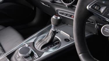 Audi TT RS 2016 - centre console