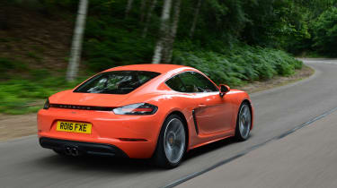 Porsche 718 Cayman 2016 - rear tracking