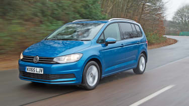 VW Touran 2.0 TDI DSG - front