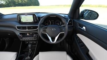 Hyundai Tucson 48v - interior
