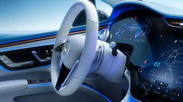 Mercedes EQS - screen