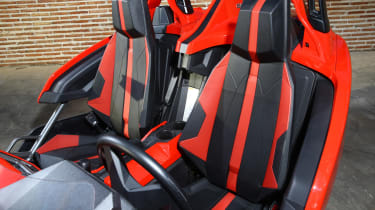 Polaris Slingshot - seats