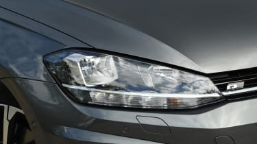 Volkswagen Golf - headlight