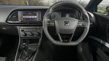 SEAT Leon Cupra 290 2016 UK - dashboard