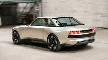 Peugeot e-Legend- rear action