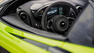 McLaren 600LT Spider - steering wheel