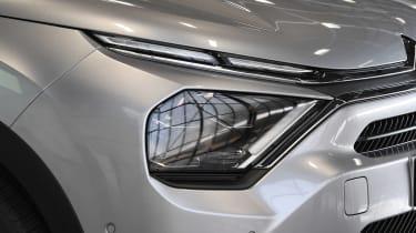 Citroen e-C4 - headlight