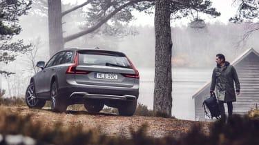 Volvo V90 Cross Country - official rear quarter