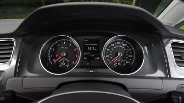Volkswagen Golf 1.0 petrol - dials
